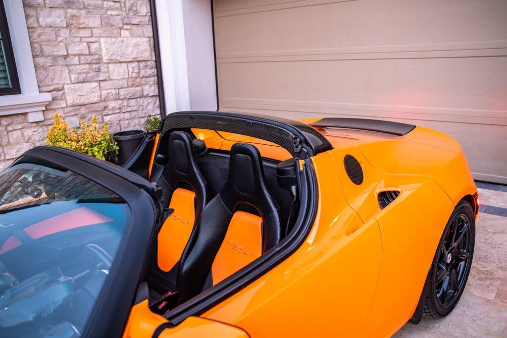 2011_tesla_roadster-pic-7638859135353048309-1024x768