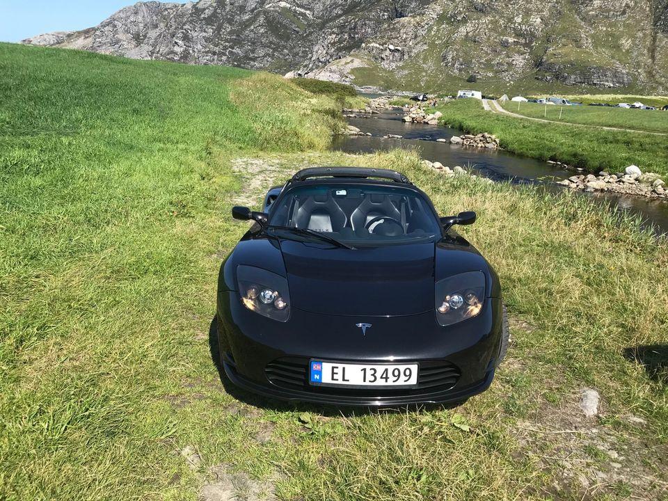 2011 Black Tesla Roadster